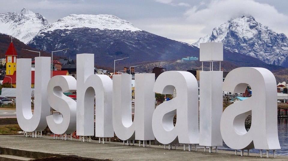Ushuaia - Patagônia Fantástica Argentina, pronta para o inverno 2018. Ushuaia, a cidade mais meridional do mundo é um dos destinos fenomenais do mundo. Sua magia, suas histórias e as suas belezas naturais se combinam para fazer desse destino um dos mais desejados do planeta.