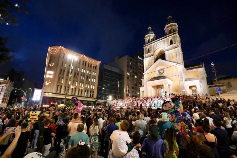 Foi dada a largada para as Festividades de Natal em Florianópolis!-Falando de Turismo