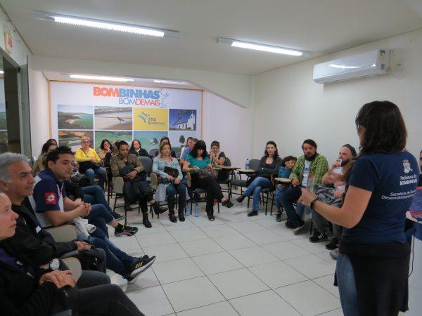 Descobrindo Bombinhas: Inscrições disponíveis para aulas e troca de experiências sobre turismo!