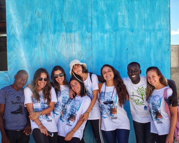 Turismo com atividades voluntárias e humanitárias transformam vidas-Falando de turismo