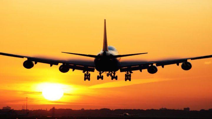 Boas vindas aos turistas estrangeiros que chegam por via aérea