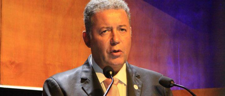 Alexandre Sampaio comenta realidade enfrentada pelo setor de hospedagem e alimentação no Brasil