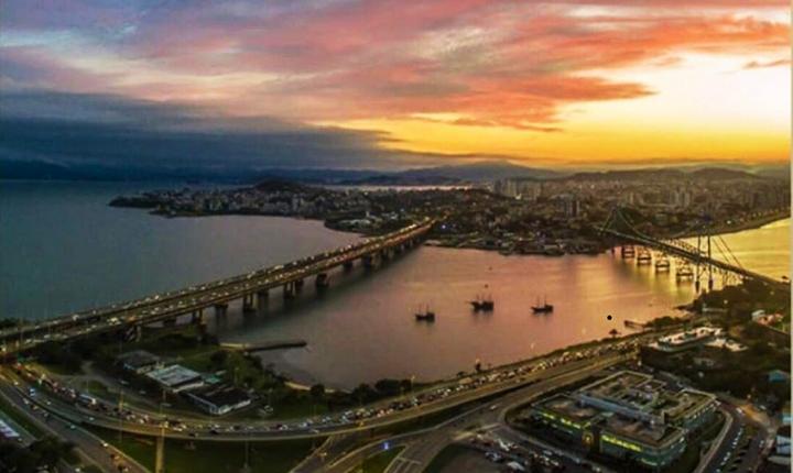 Florianópolis, à Ilha da Magia, se prepara para a altíssima temporada de verão